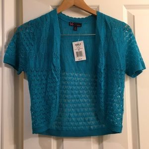 New shrug sweater size medium beautiful blue